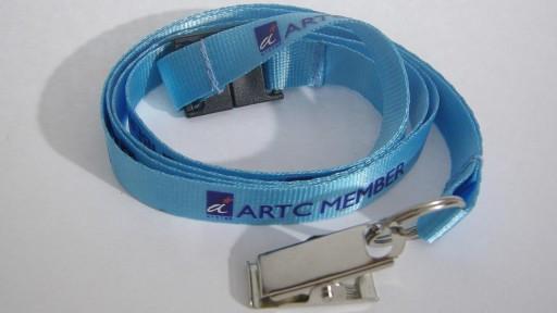 Nyckelband med logotyp, band i nylon och tryckt med screentryck.